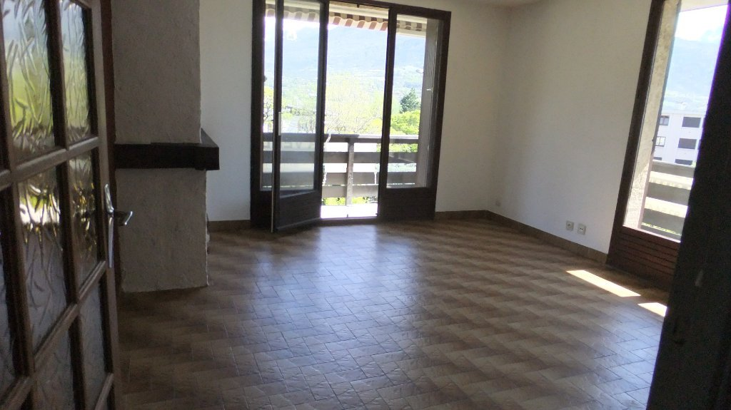 APPARTEMENT T2 - EMBRUN - 40 m2 - 115 000 €
