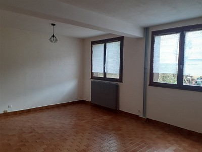 STUDIO TO RENT - BRIANCON - 27 m2 - 325 € including tenant fees