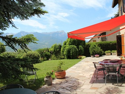 APARTMENT 5 ROOMS FOR SALE - EMBRUN - 172 m2 - 350 000 €