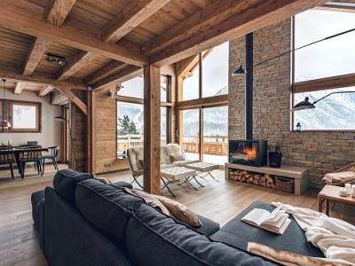 CHALET FOR SALE - MONTGENEVRE VILLAGE - 360 m2 - Price : consult us