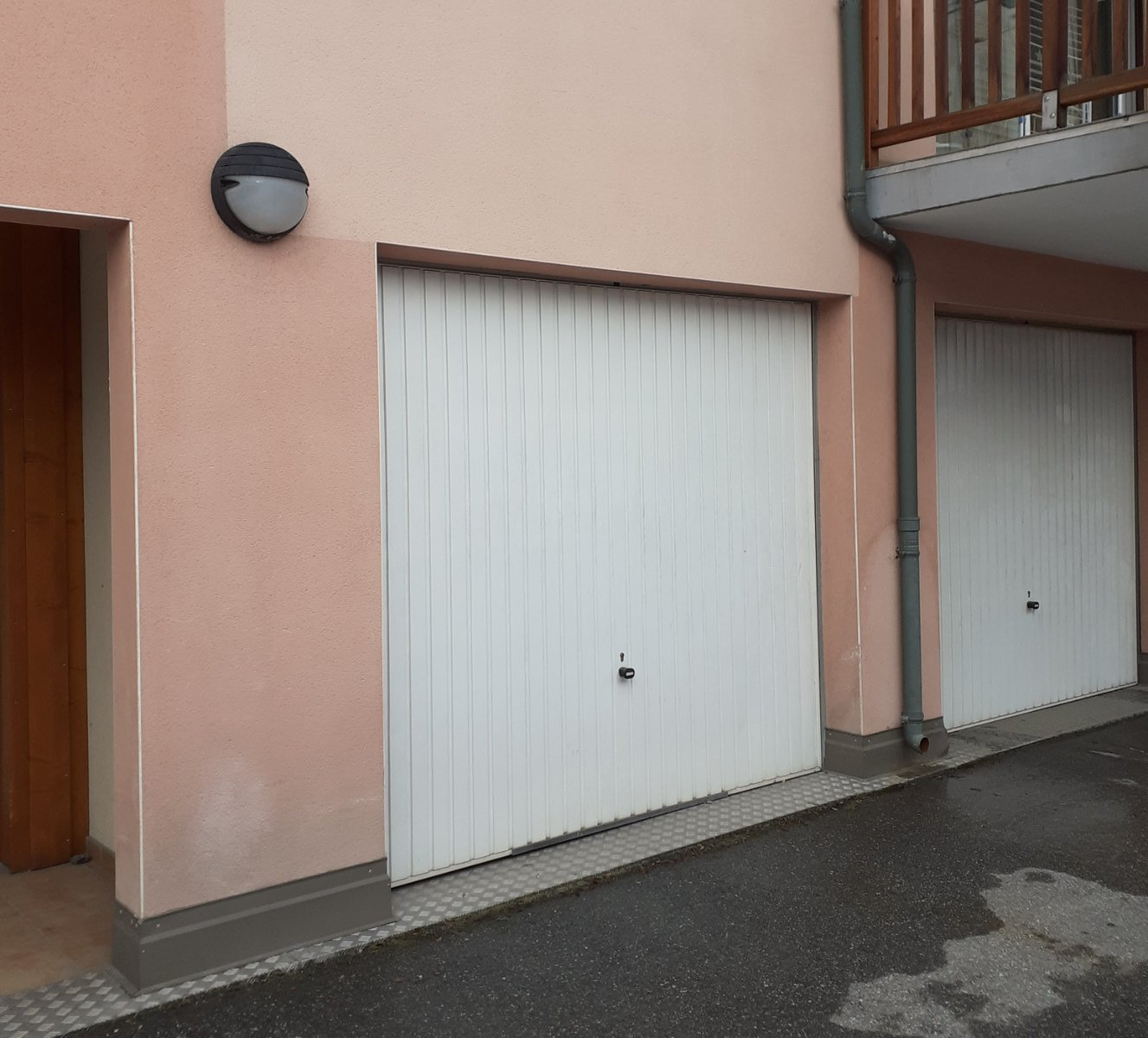 GARAGE TO RENT - BRIANCON - 96 € including tenant fees