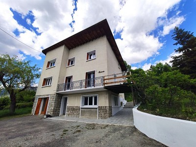 HOUSE FOR SALE - BRIANCON - 170 m2 - 371 000 €
