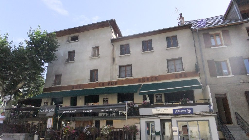 PROPRIETE A VENDRE - GUILLESTRE - 347 m2 - 195 000 €
