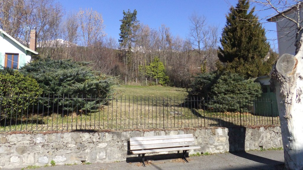 TERRENO IN VENDITA - EMBRUN - 130 000 €