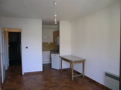 APARTMENT 1 ROOM TO RENT - BRIANCON - 30 m2 - 402 € including tenant fees