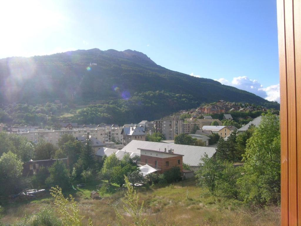 APARTMENT 2 ROOMS TO RENT - BRIANCON - 43 m2 - 618 € including tenant fees
