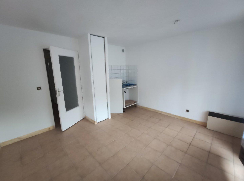 APARTMENT 2 ROOMS - BRIANCON - 32 m2 - 82000 €