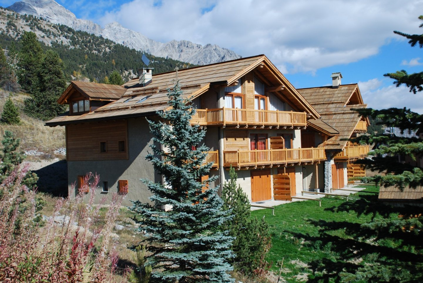 APARTMENT 2 ROOMS FOR SALE - MONTGENEVRE VILLAGE - 38 m2 - 225 000 €