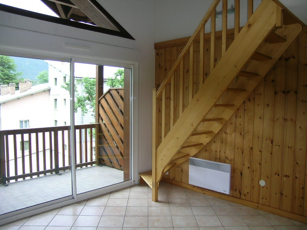 APARTMENT 3 ROOMS TO RENT - BRIANCON - 50 m2 - 700 € including tenant fees