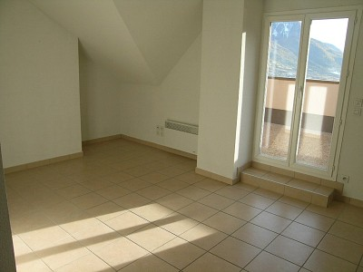 APARTMENT 3 ROOMS TO RENT - BRIANCON - 43 m2 - 639 € including tenant fees