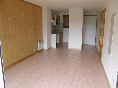 TIPO 3 IN AFFITTO - BRIANCON - 43 m2 - 527 € al mese spese comprese