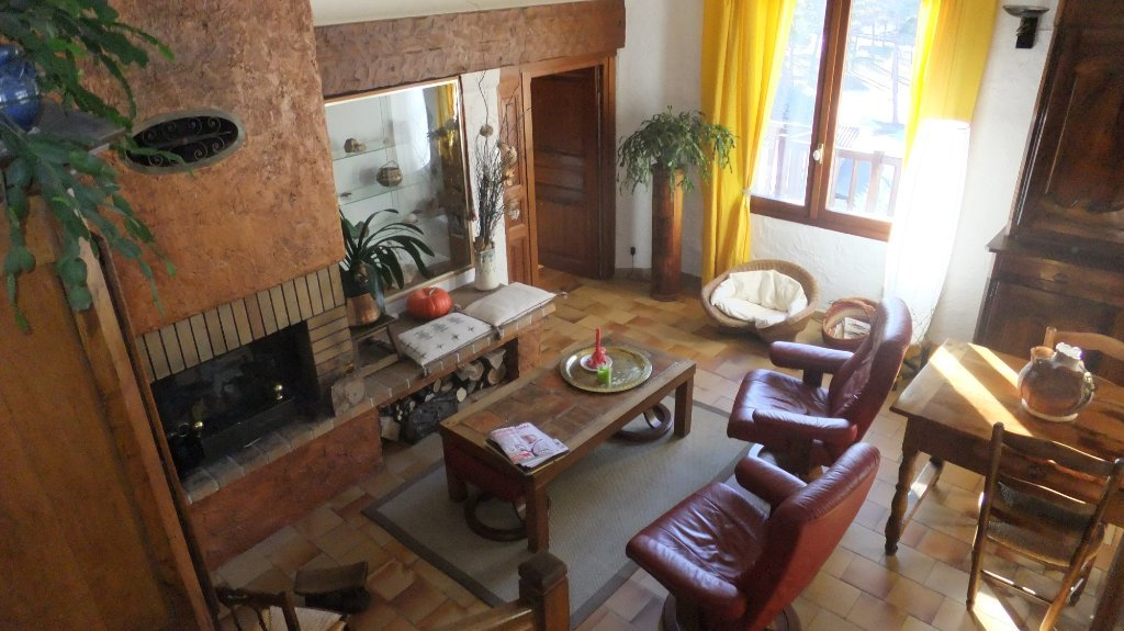 APPARTEMENT T6 - GUILLESTRE - 169,46 m2 - 250 000 €